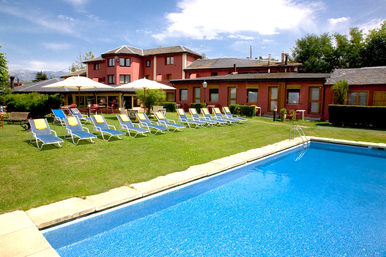 piscina-ext.-hotel-del-lago-r-reduced
